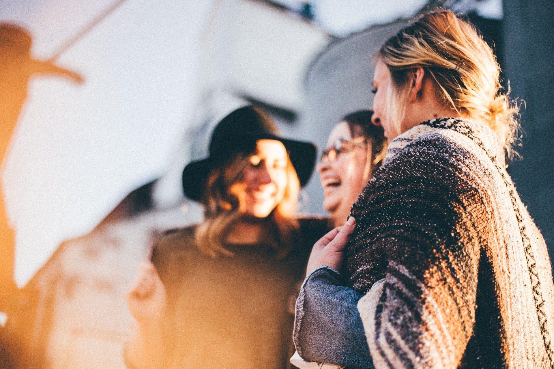 Mujeres felices gracias a TUDEXTRA